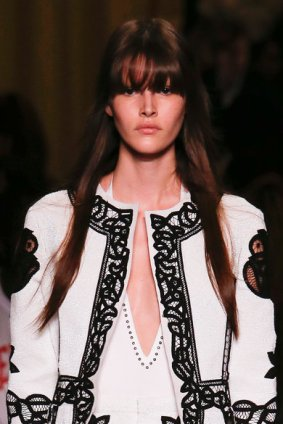 03-paris-beauty-lessons-givenchy-spring-2015-runway-57